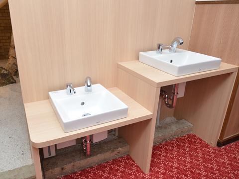 朝食会場入口手洗い台
